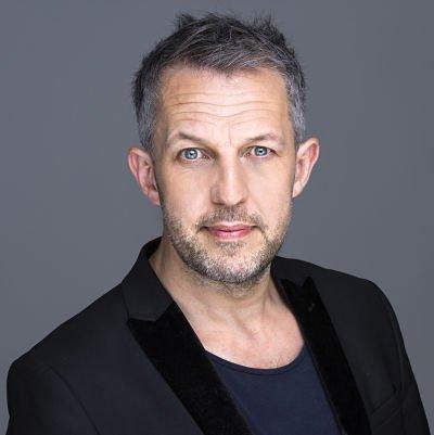 Alan Hudson - Close Up Magician London UK